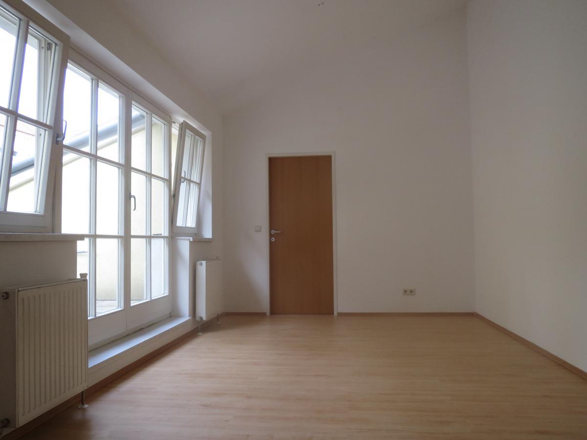 DG-Wohnung mit Terrasse nahe AKH