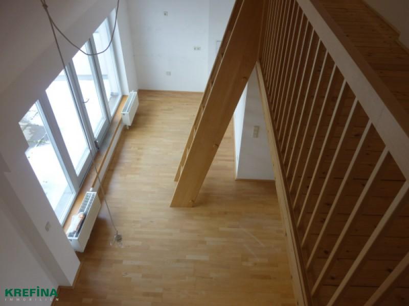 Charmante DG-Wohnung mit Terrasse nahe Augarten