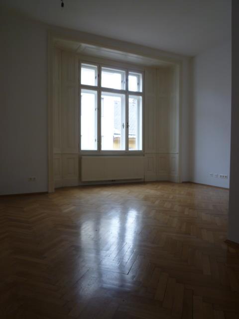 Renovierte Altbauwohnung 1070 Wien