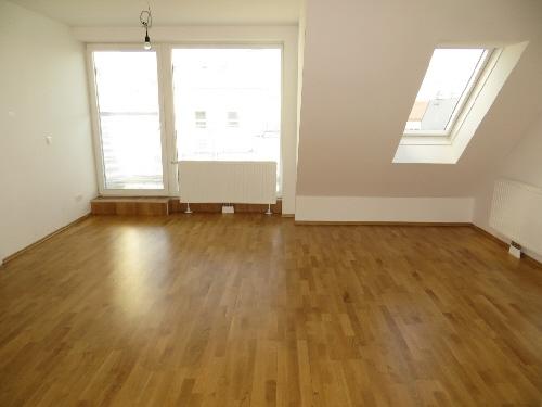 2-Zimmer-DG-Wohnung mit Terrasse