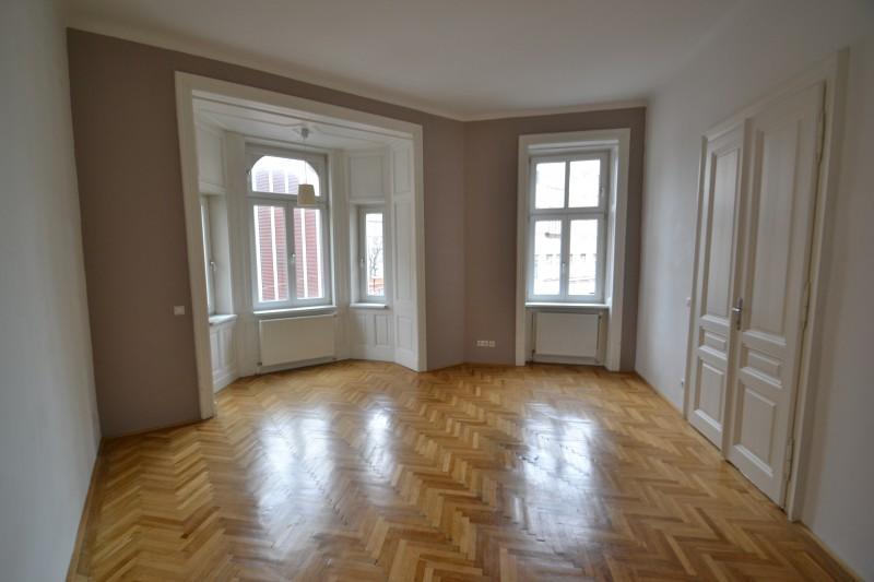 Altbauwohnung mit Erker 1060 Wien