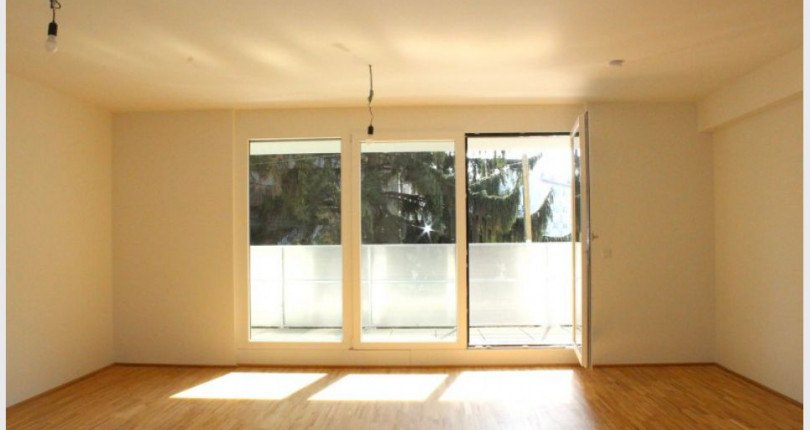 provisionsfreie 3 zimmer wohnung mit loggia und neuer k che. Black Bedroom Furniture Sets. Home Design Ideas