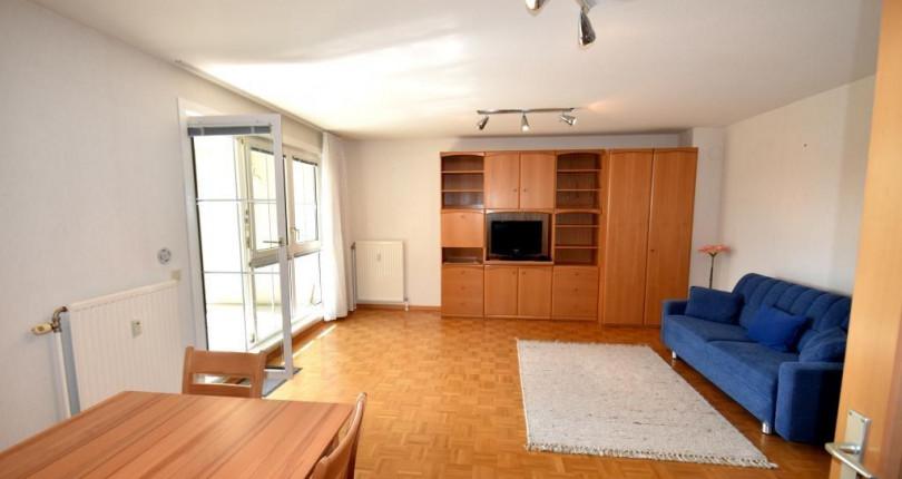 Einzimmerwohnung mit Loggia im 12.