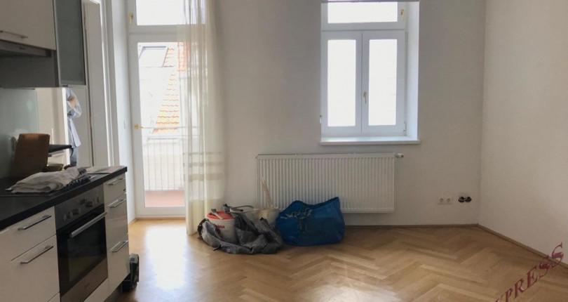 wohnung wien 2 zimmer altbauwohnung mit balkon in wien. Black Bedroom Furniture Sets. Home Design Ideas