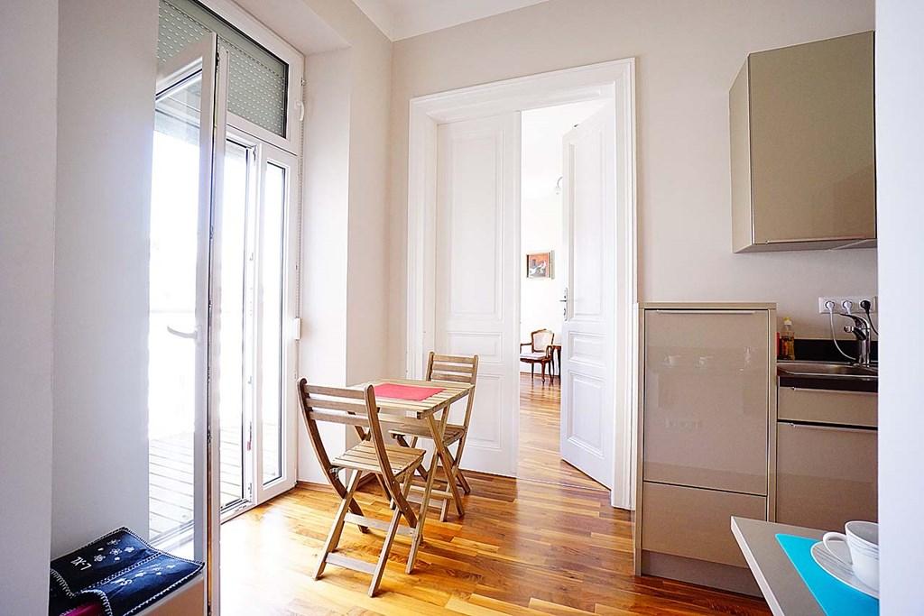 wohnung wien provisionsfreie kleinwohnung mit terrasse. Black Bedroom Furniture Sets. Home Design Ideas