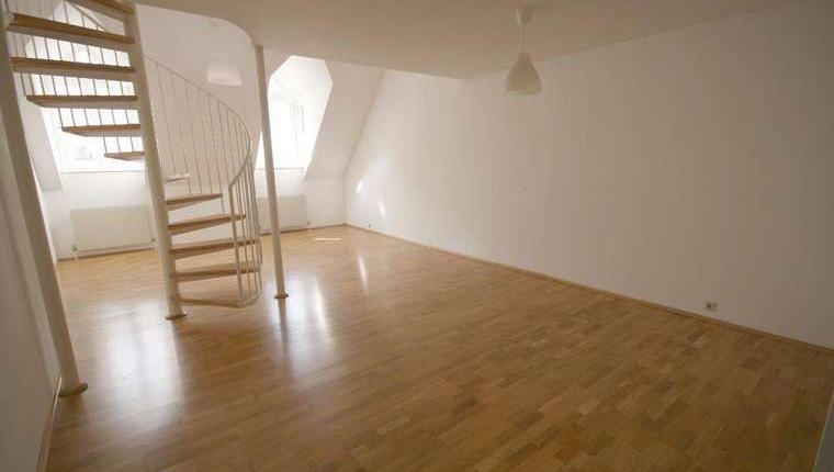 Sonnige DG-Wohnung in Top-Lage 1070 Wien