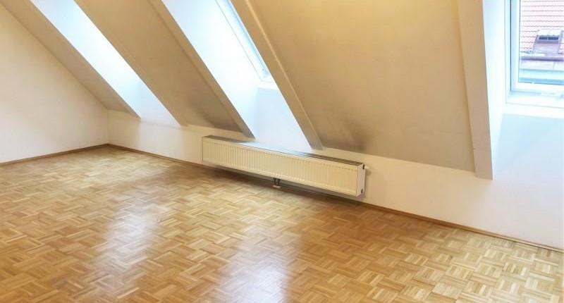 Dachgeschoßwohnung mit Balkon 1090 Wien