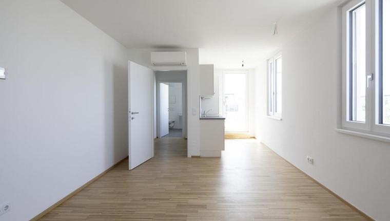 Erstbezug: besondere DG-Wohnung 1 Zimmer und großer Terrasse