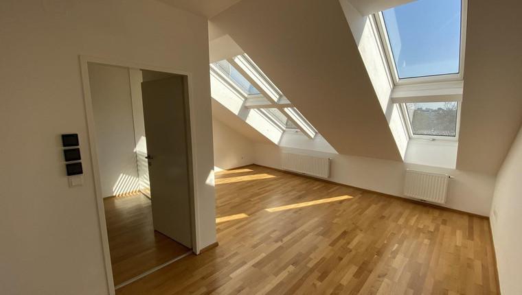 Sonnige DG-Wohnung 1200 Wien