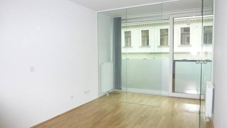 Zieglergasse: Schicke Neubau-Wohnung mit Wintergarten