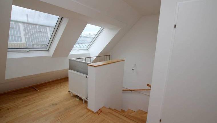 Sonnige DG-Wohnung nahe Alser Straße