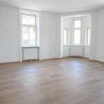 Unbefristete 2-Zimmer-Erstbezugswohnung mit Erker