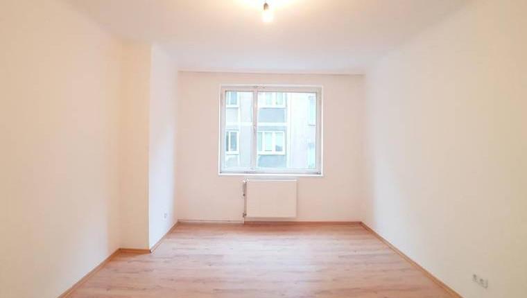 PREISHIT: Renovierte 1 Zi Wohnung Nähe U6