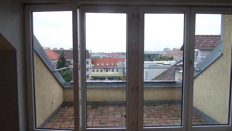 Günstige Dachgeschoßwohnung mit Terrasse nahe Lugnercity