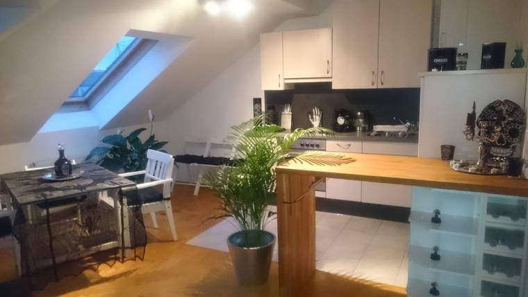 Provisionsfreie Dachgeschoss-Maisonette mit wunderschöner, begrünter Dachterrasse