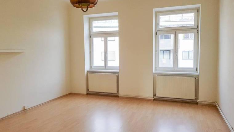 Wunderschöne, sanierte 2 Zimmer Wohnung