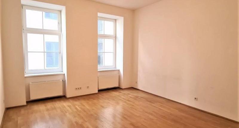 Riesige 1 Zimmer Wohnung in 1070
