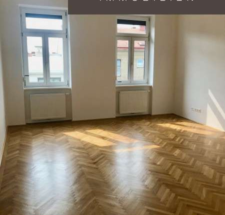Klassische 2-Zimmer-Altbauwohnung mit hohen Räumen