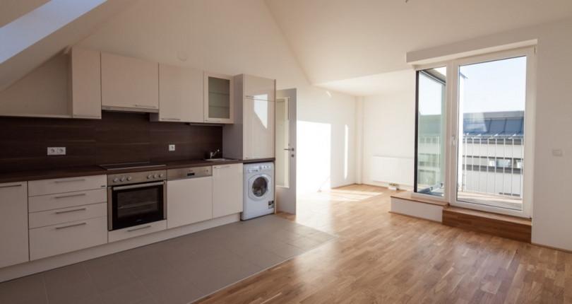 Sonnige 2-Zimmer-Wohnung mit Dachterrasse