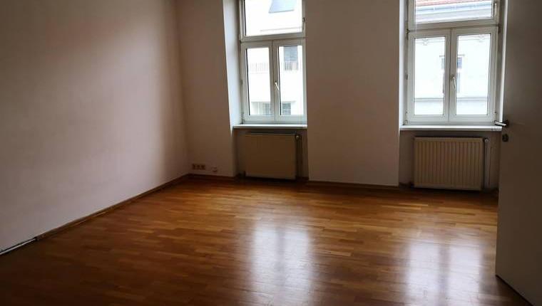 NUR 650€: 3-Zimmer Wohnung, WG tauglich