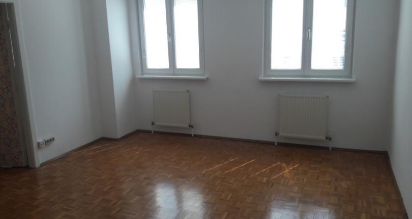 PROVISIONSFREI: Helle 3 Zimmer Nähe Yppenplatz mit Balkon