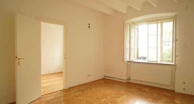 UNTER 550€: Charmante 2 Zimmerwohnung in Hofruhelage