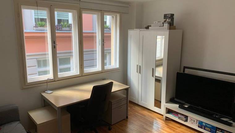 Provisonsfreie, teilweise möbelierte Wohnung an der Mariahilfer-Staße unter 500€