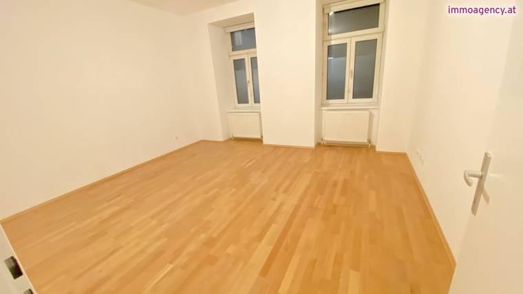 Erstbezug 3 Zimmer Wohnung nur 750€