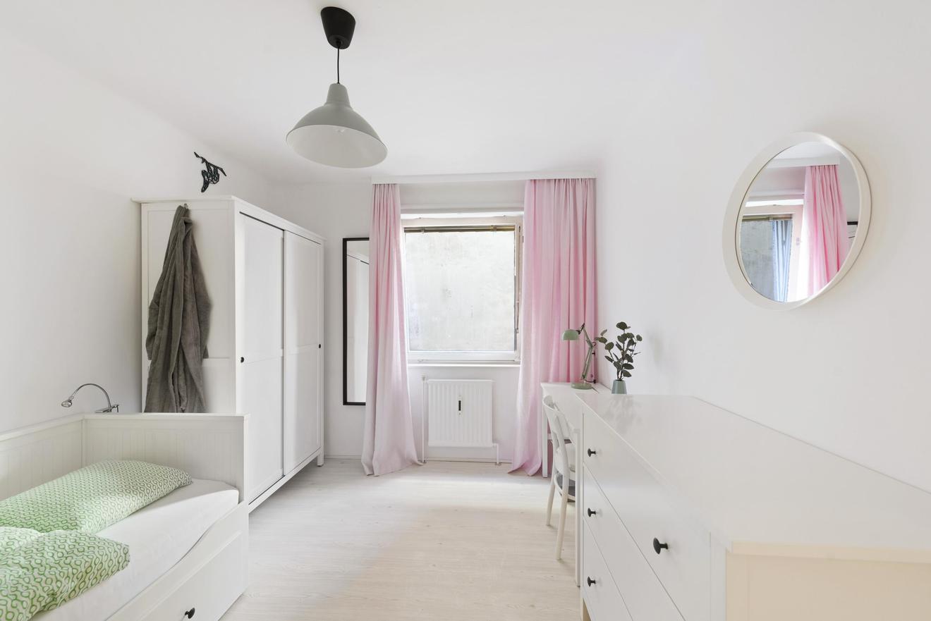 NUR 450€: Möbliertes Studio in guter Lage / HousingAnywhere