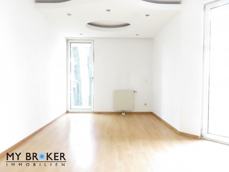 Schöne 1 – Zimmer Wohnung in guter Lage mit Freifläche